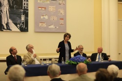 Intervenção de Cristina Cordeiro, autora do livro (Fotog. © Manuel Aguiar)